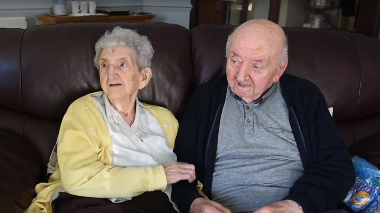 Ada Keating ist mit 98 Jahren zu ihrem Sohn (80)ins Altersheim gezogen.