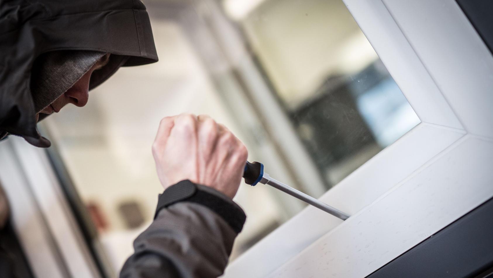 Alarmanlagen bieten Schutz vor Einbrechern.