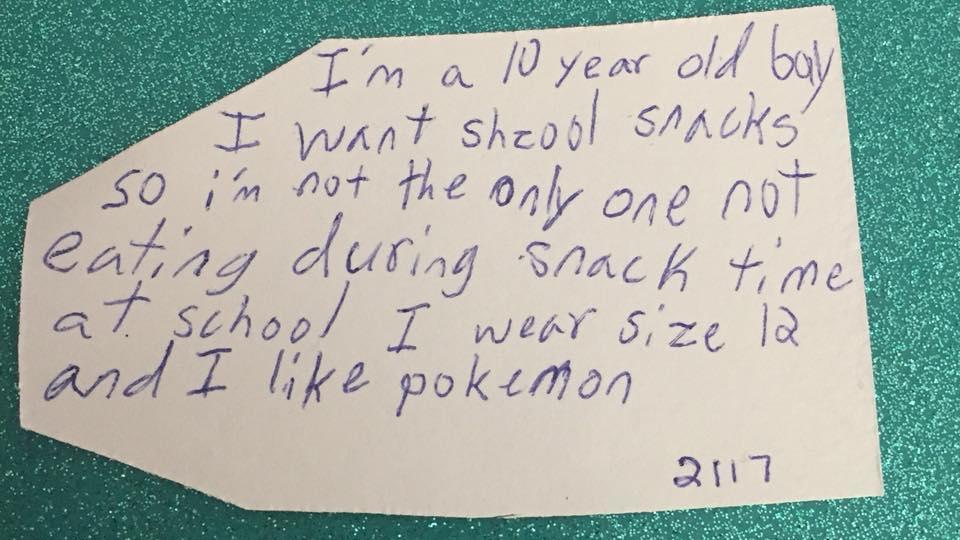 Weihnachtswunschzettel eines 10-Jährigen, der sich Snacks wünscht.