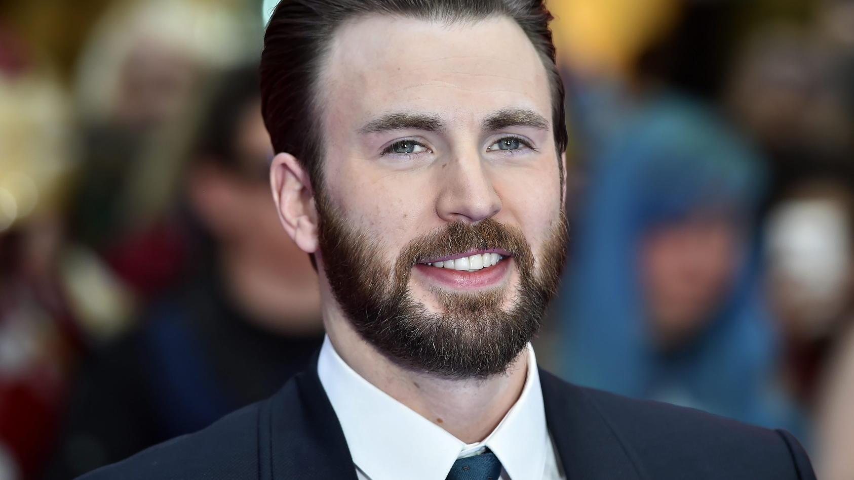 Chris Evans ist inzwischen untrennbar mit Captain America verbunden