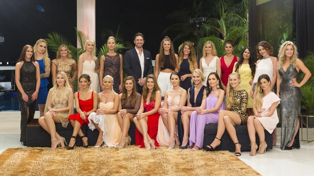 22 Frauen, aber keine 22 Rosen: Daniel muss sich entscheiden.