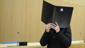 Die 25-Jährige wurde vom Landgericht Weiden wegen Mordes zu lebenslanger Haft verurteilt