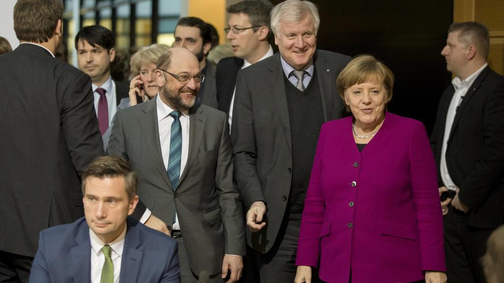 Angela Merkel, Martin Schulz und Horst Seehofer kommen zur Hauptverhandlungsrunde zur Regierungsbildung im Willy-Brandt-Haus in Berlin am 2. Februar 2018 an. Hauptverhandlungsrunde zur Regierungsbildung in Berlin