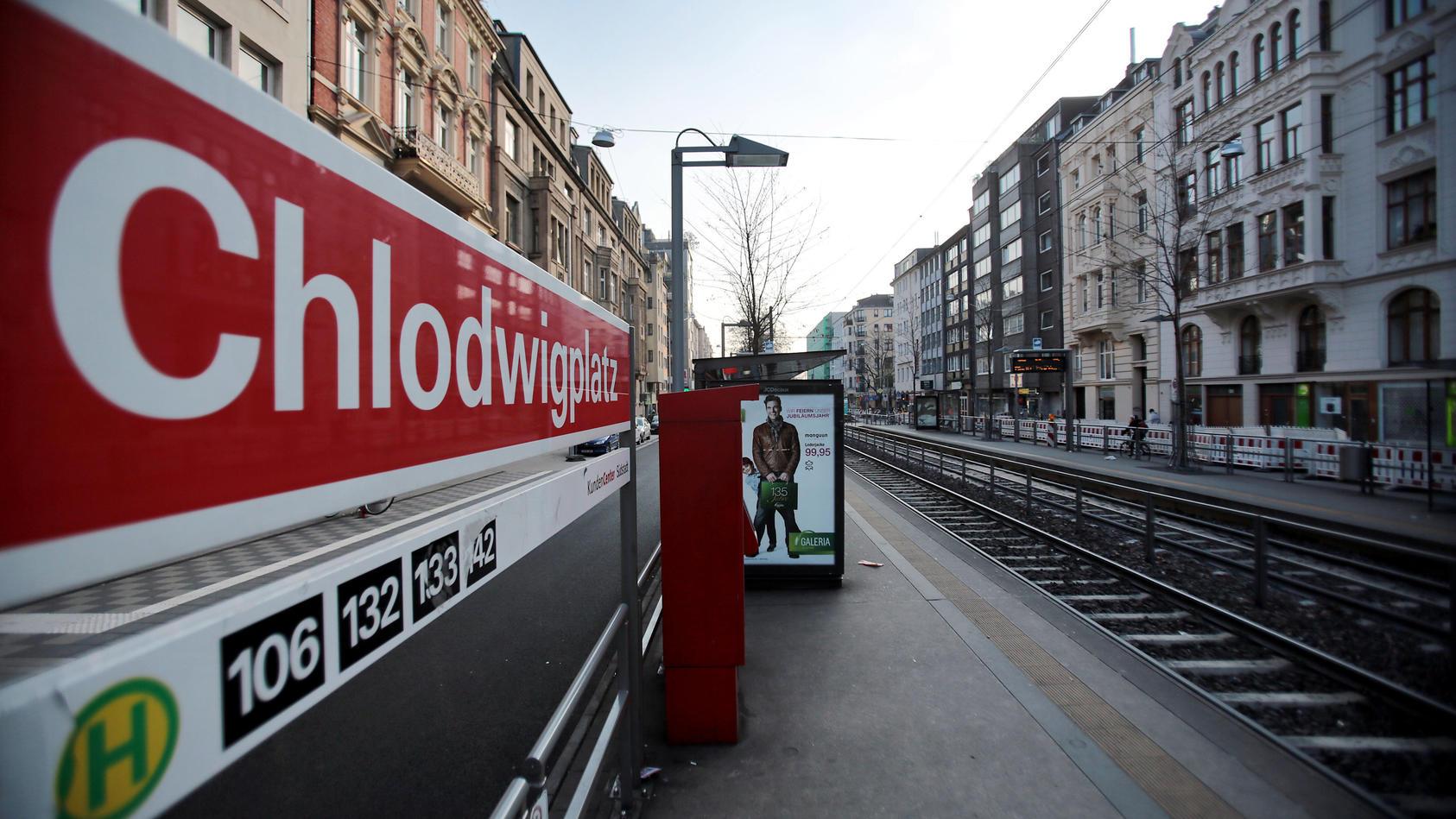 An Karneval starb der Polizist Veit R. an der Straßenbahnhaltestelle Chlodwigplatz in Köln.