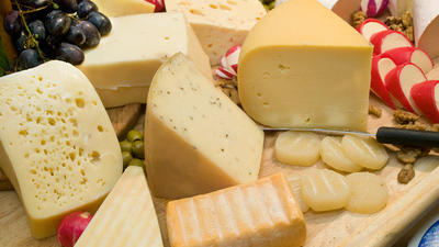 Bei Heißhunger auf Eiscreme einfach mal zum Käse greifen?