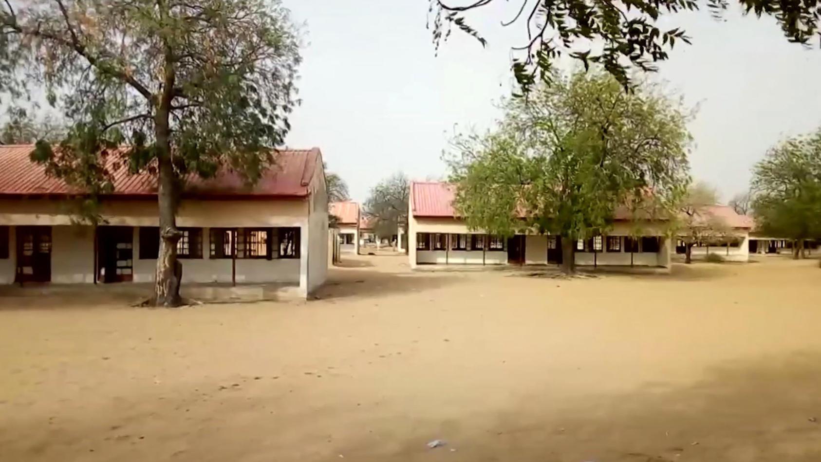 110 Schülerinnen wurden aus dieser Schule entführt, nun wurden sie zurückgebracht.