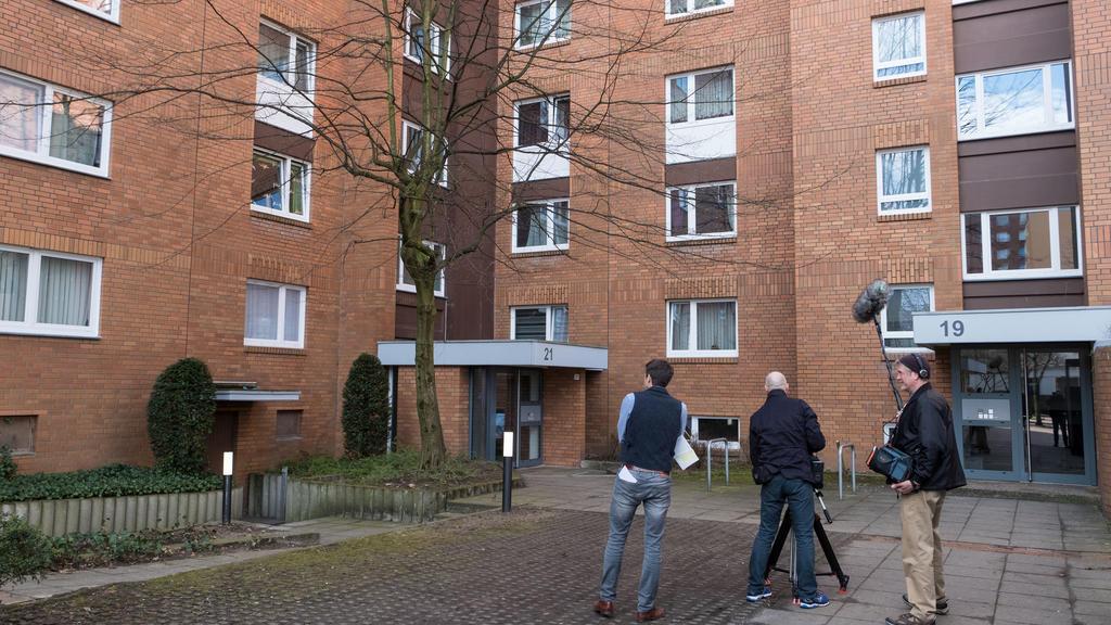 Niedersachsen, Hannover: Mutter und Sohn vermutlich von Hund totgebissen.