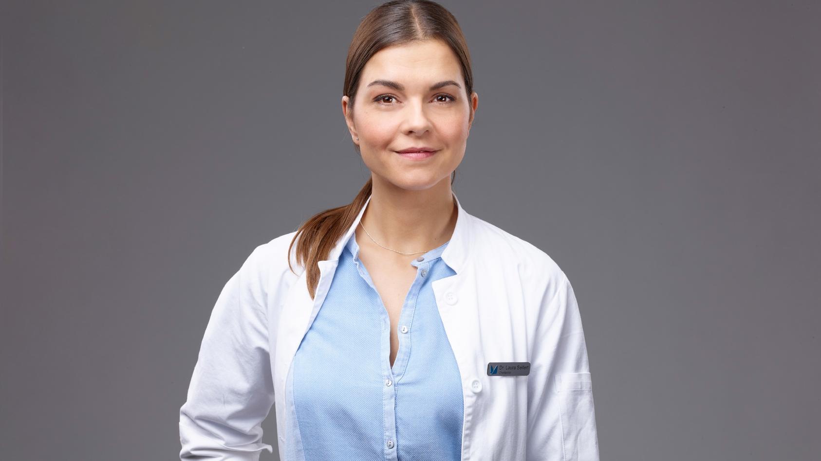 """Susan Hoecke spielt die Oberärztin Dr. Laura Seifert in """"Lifelines""""."""