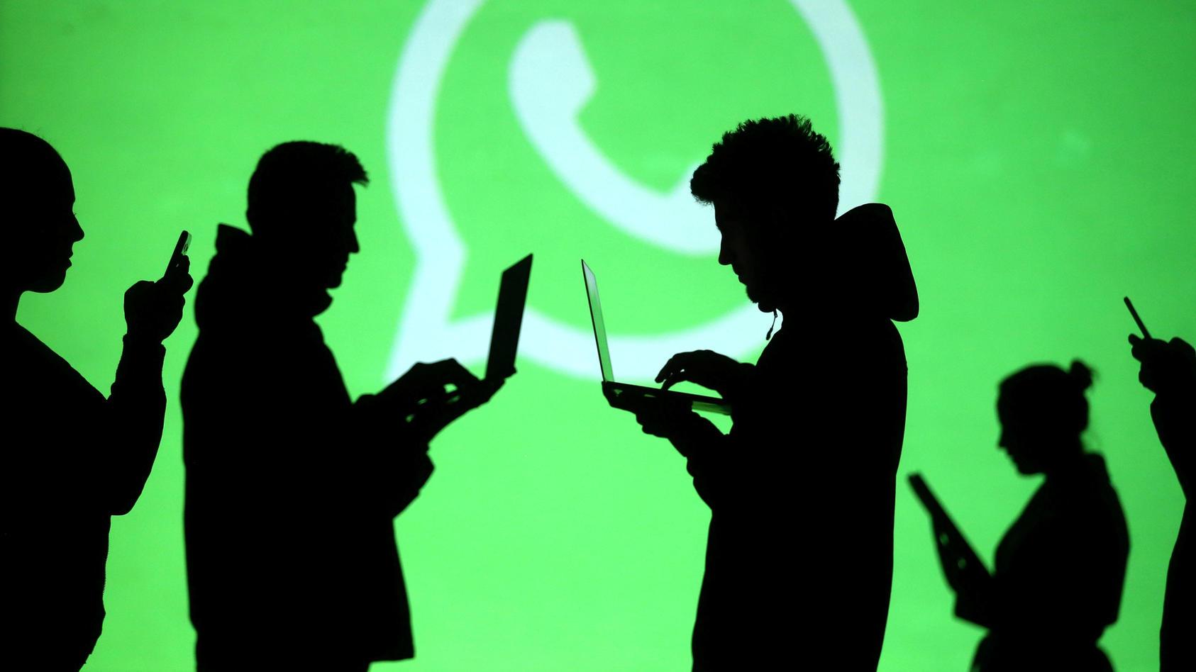 Im Kampf gegen Fake-News sperrt WhatsApp jeden Monat weltweit rund zwei Millionen Konten.
