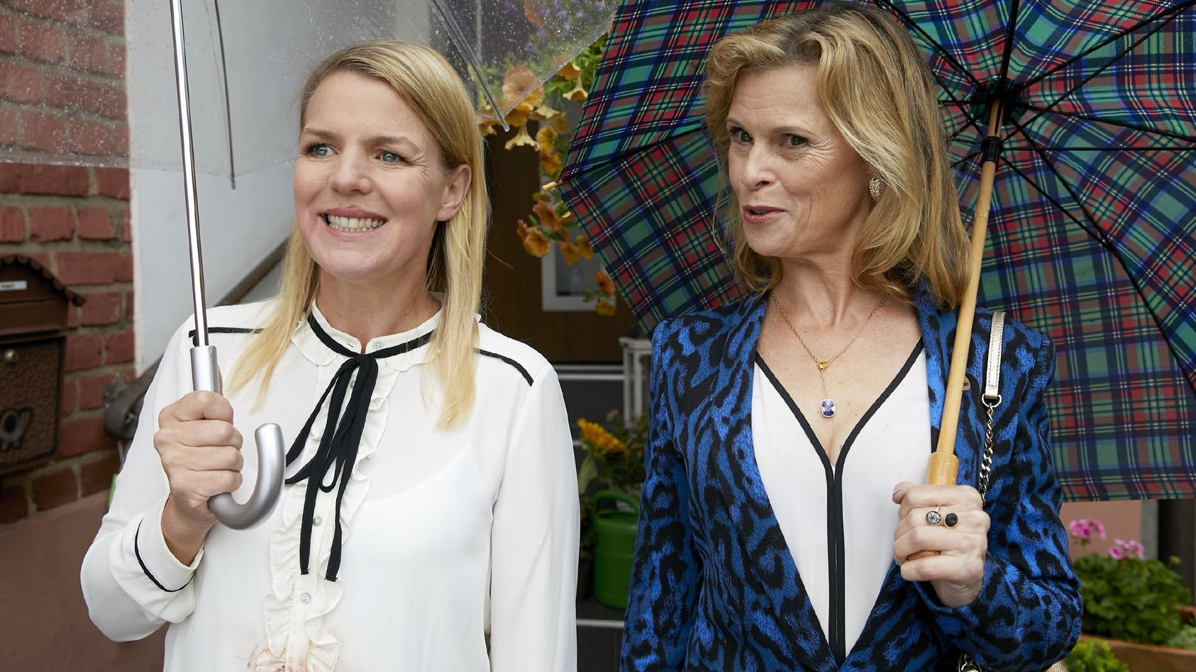 "Leslie Malton (rechts) spielt in ""Beste Schwestern"" Mutter Gabriele"