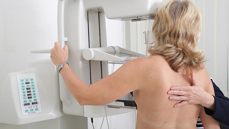 Rechter schmerz schwangerschaft unter brust Schmerzen in